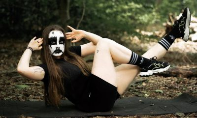 yoga profesora black metal
