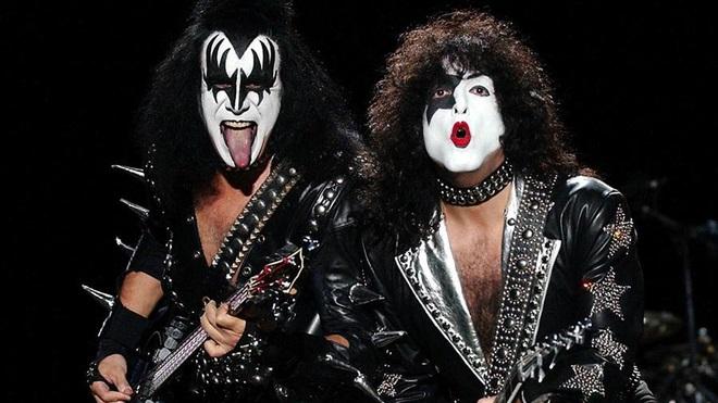 concierto kiss satánica