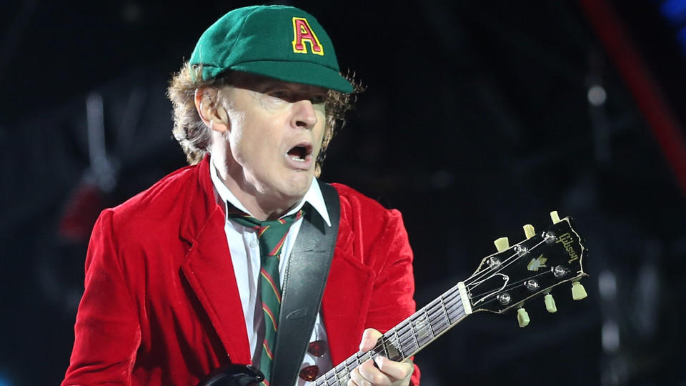 Angus Young solos guitarra