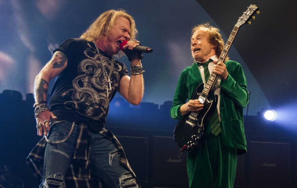 Angus Young Axl Rose